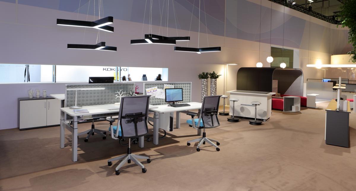 Como iluminar um escrit rio de forma eficiente for Distribucion de oficinas modernas